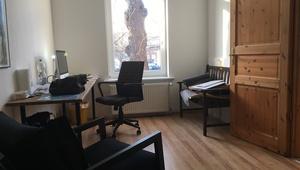 Helles und ruhiges Büro mit Küche und Meetingraum
