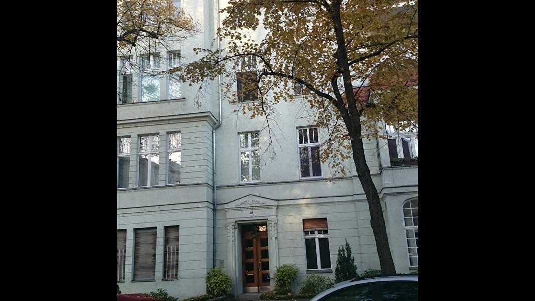 Berlin-Charlottenburg: Schönes Büro, teilmöbliert, 32qm mit Loggia, DSL