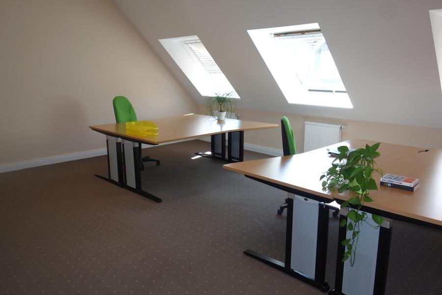 1 bright room or desks/co-working/S+U Friedrichstr