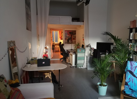 Great space to rent with 45 m2 and high ceiling, perfect for office or Atelier.