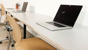 2 Free Desk in Shared Office