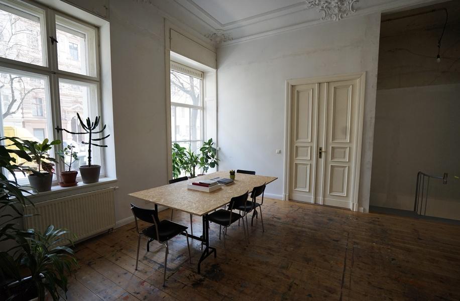 40m² of High-Ceiling Office Space in Kreuzberg
