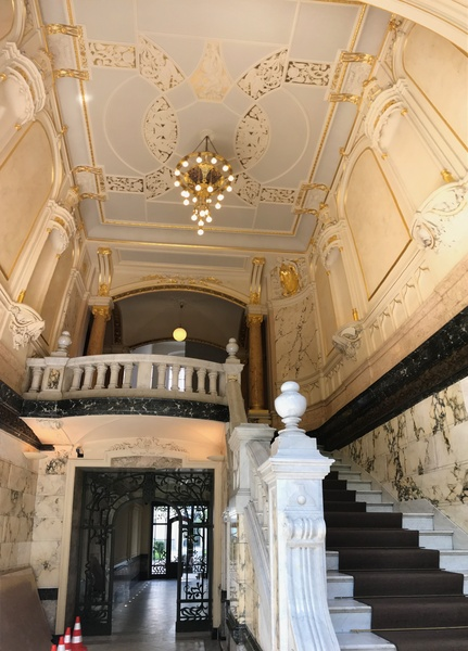 Whole 205 sqm office wing in beautiful building – directly at Ku'damm