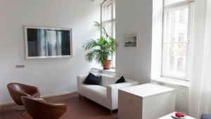 Bright workplace in nice office community in Kreuzberg