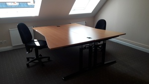 Desks in bright and friendly office, S+U Friedrichstraße