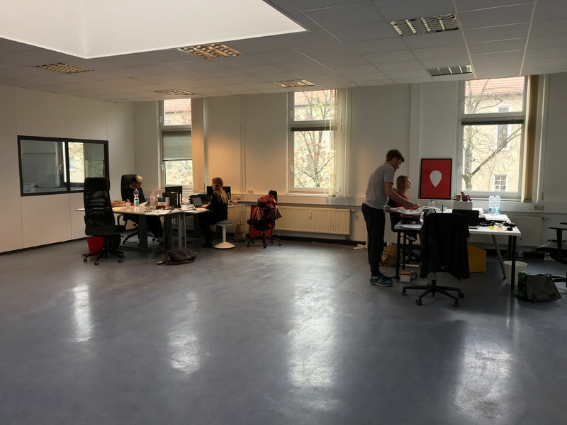 12€ WARM KOMPLETT! Großes helles Büro in Berlin Südkreuz