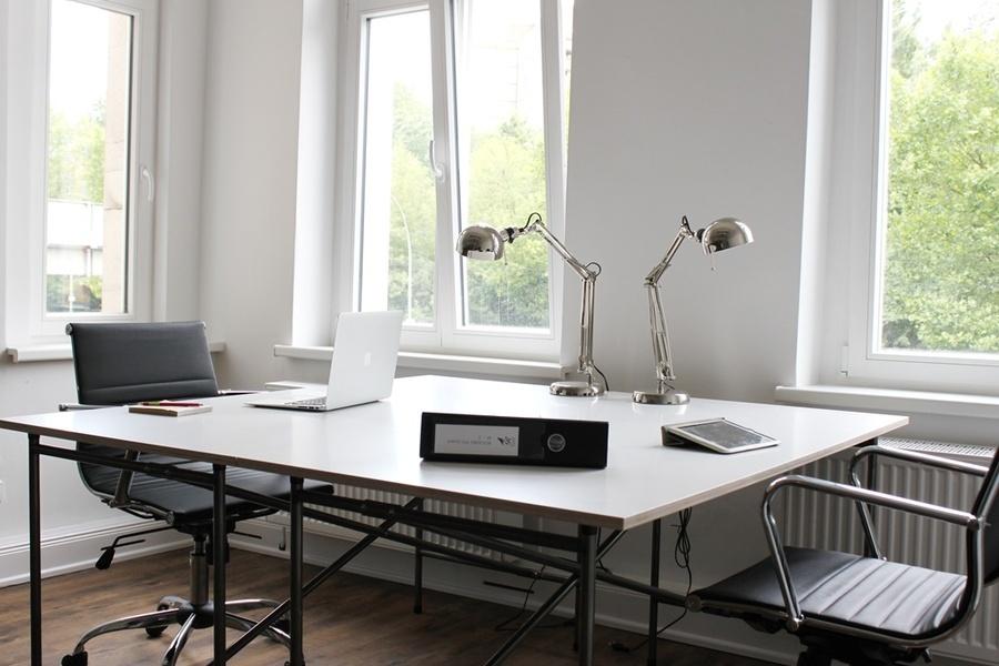 m bliertes b ro in b rogemein berlin startup offices