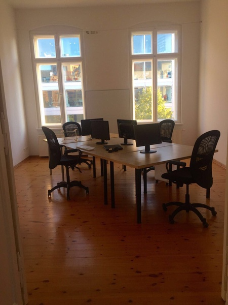 3 x OFFICE SPACE - 10 x DESK - COWORKING SPACE - 1 x MEETING ROOM  - CITY CENTER - HACKESCHER MARKT - ORANIENBURGER STREET - BERLIN MITTE