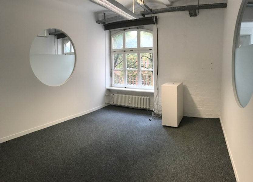 2 Rooms available within modern and bright 240 qm Office in Kreuzberg