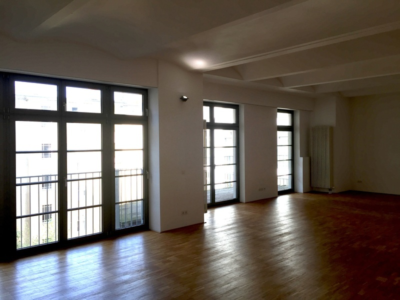Spacious and beautiful loft office at Paul-Lincke-Ufer for 1,5 months