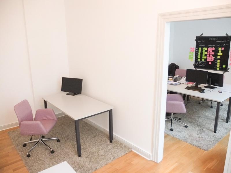 Schreibtisch in netter Bürogemeinschaft in Berlin Mitte