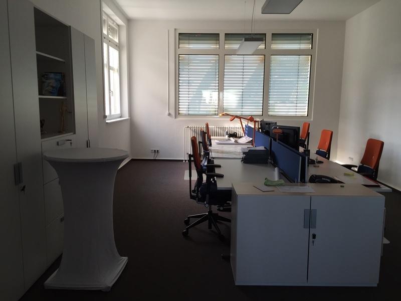 Großes, helles Büro in zentraler Lage