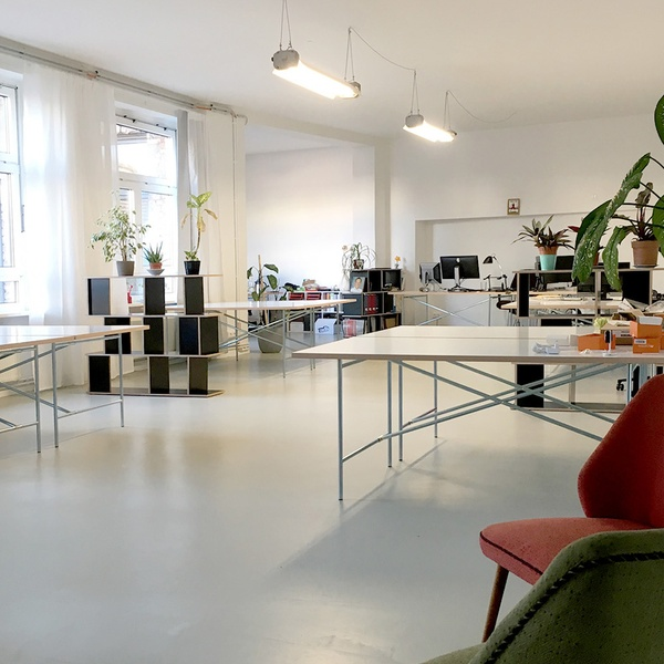 Beautiful bright and quiet coworking space, 36sqm room