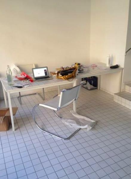 Desks in shared office (Potsdamertstr. area)