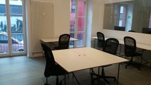 Stylisches und Helles Büro in einem dynamischen und freundlichen Umfeld / Stylish and bright office in a dynamic and friendly environment
