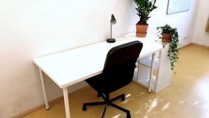 1-2 Desks in a Gorgeous Prenzlauerberg Office