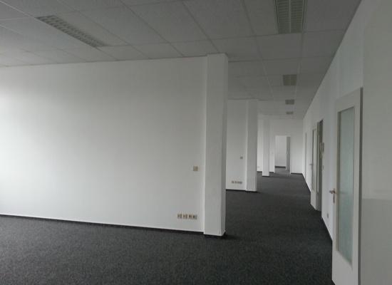 Helle Büroetage in der Lahnstr., Neukölln