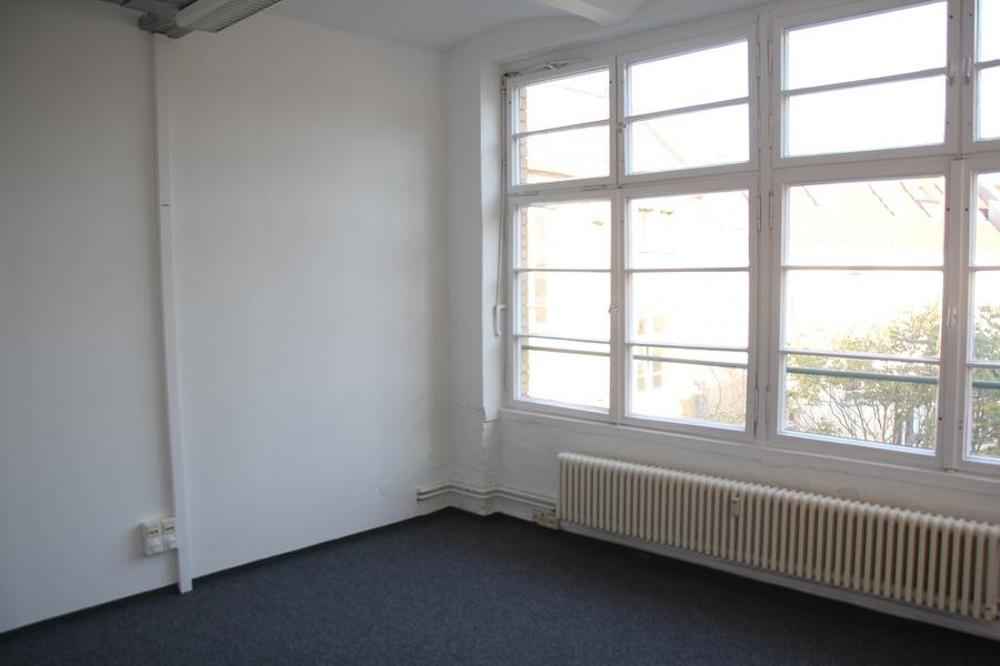 ROOM: 161 m² Friedrichshain