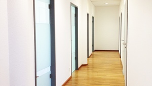 3 rooms in shared office