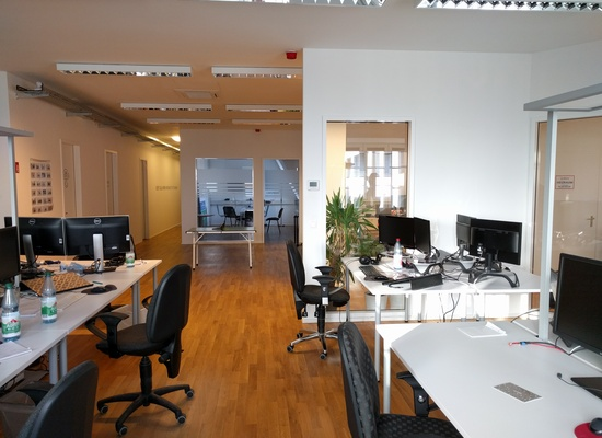 Bright and welcoming officespace for a team of 15-20 people in the heart of Berlin