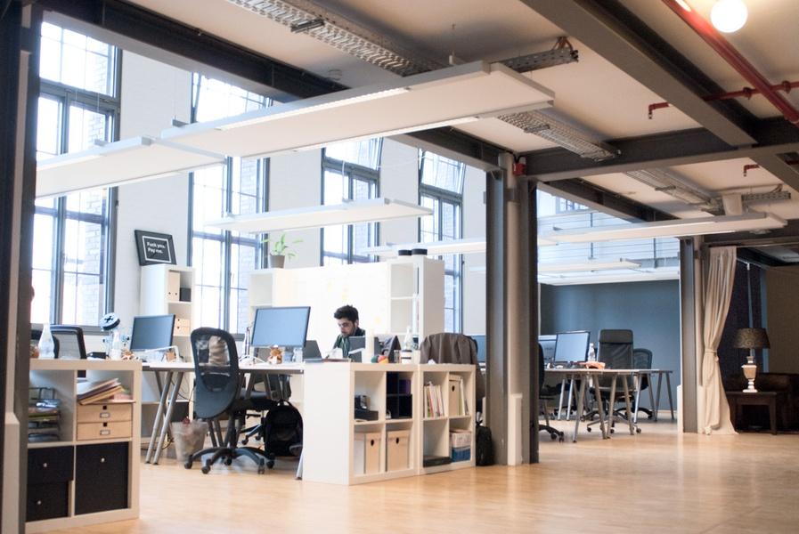 "Coworking space at ""Umspannwerk"": Desks available!"