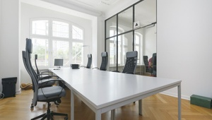 Bright Coworking Space by Hackescher Markt