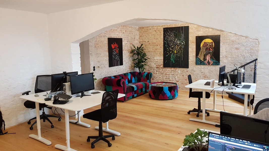 Fixed desk and facilities including 24/7 access in top Kreuzberg location