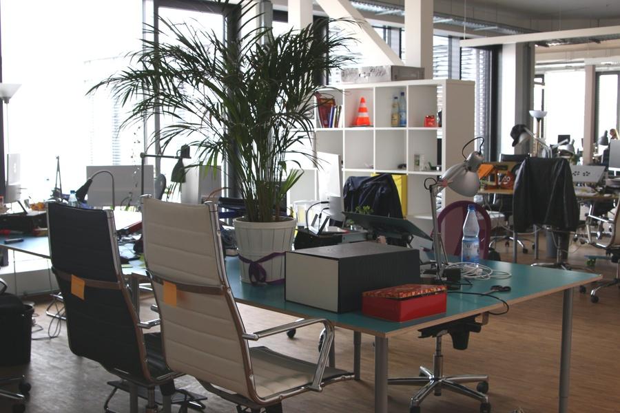 OFFICE: Helles und schönes Büro in Berlin Mitte ab JULI 2017 zu vermieten