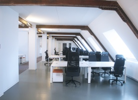 Beautiful and bright Office on Top Floor Building