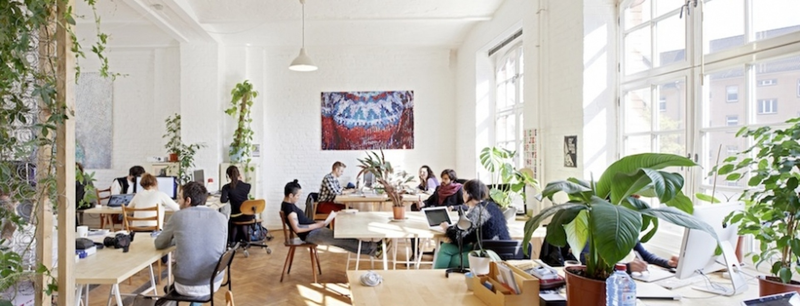 dynamic coworking space in a berlin startup offices. Black Bedroom Furniture Sets. Home Design Ideas