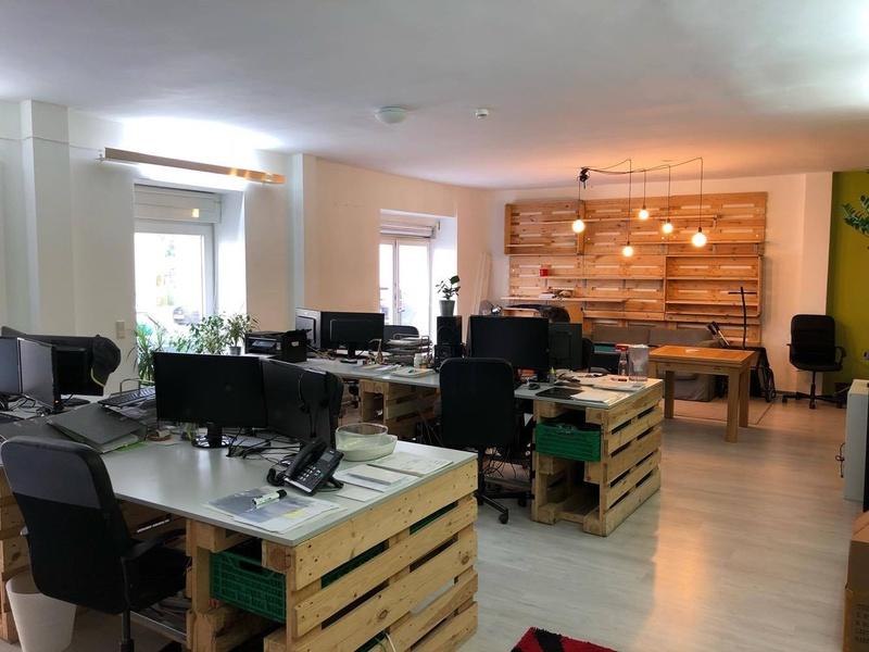 Good size office 5 minute walk to Ostkreuz