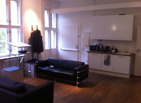 2 rooms in quiet and bright office (30sqm each)