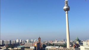 Großes Büro am Alexanderplatz mit legendärem Blick über Berlin