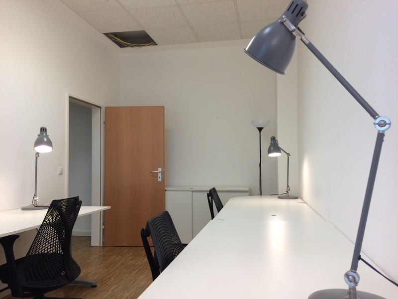 Team Room for 3-4 people close to Helmholtzplatz, Prenzlauer Berg