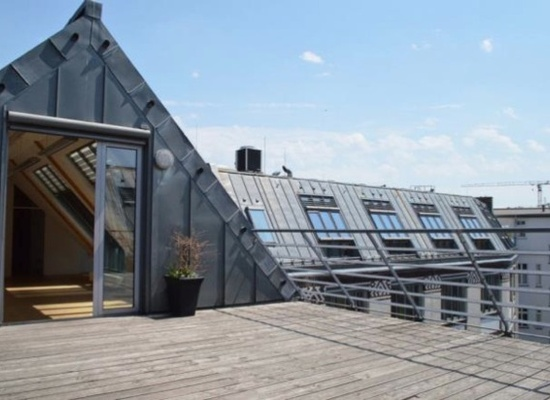 Fantastic office space (100m2) up to 15 people in Mitte is available for a flexible period