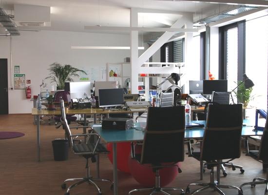 berlin startup offices rent a desk room office or coworking space. Black Bedroom Furniture Sets. Home Design Ideas