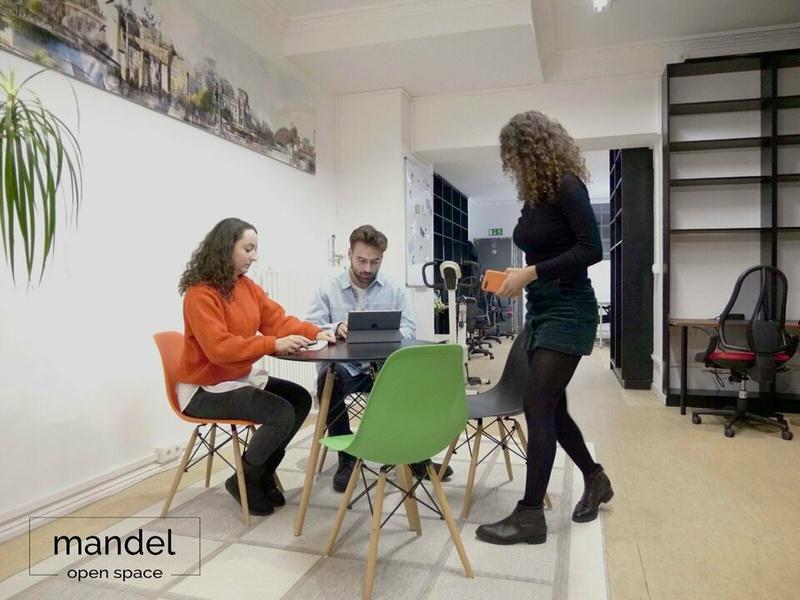 Top location! Coworking / Büroraum / Arbeitsplatz / desk / Berlin