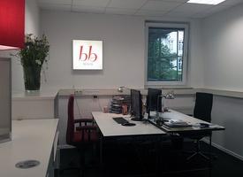 Schreibtisch im abschließbaren Büro Nähe Rosenthaler Platz