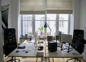2 person office to rent on Oranienstraße