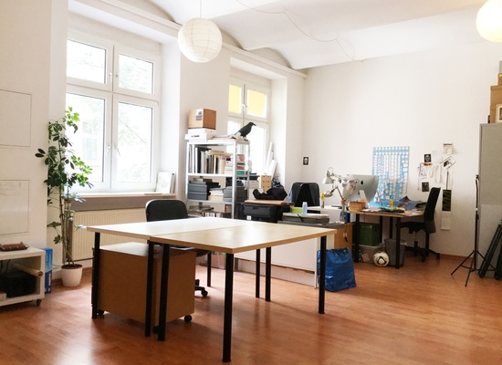 Büroplatz Maybachufer Berlin Office Desk Space Workplace Büro Atelierplatz