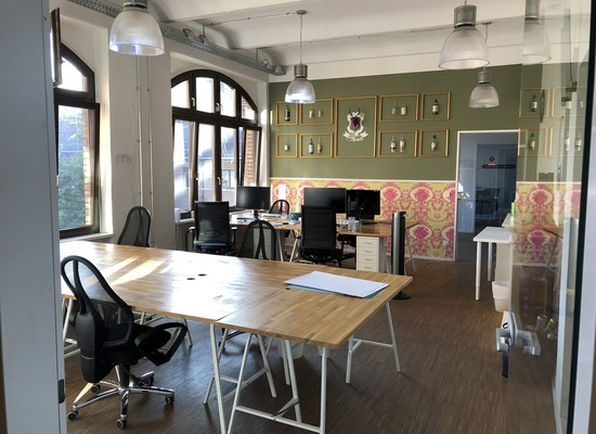Furnished bright room for up to 10 people & meeting room in Kreuzberg
