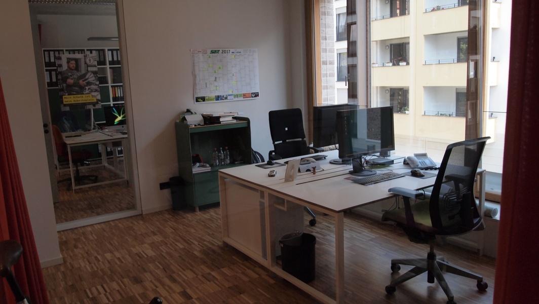 Büroraum mit 2-3 Arbeitsplätzen