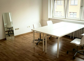 Beautiful office room in great location