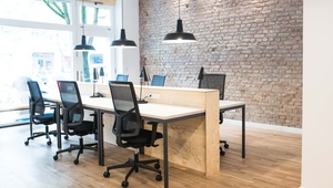 New & modern office in Prenzlauer Berg: one room (12 desks) or separate desks to rent