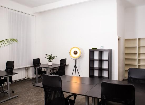 Office @ skalitzer33   kreuzberg