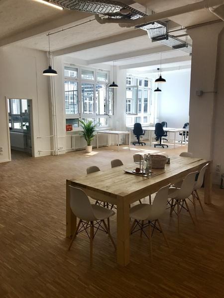 Desks to rent at Hermannplatz