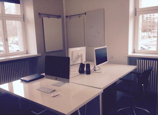 Free Desks in Designer Co-Working Space