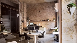 Unique office space with 19 workplaces and a bar area