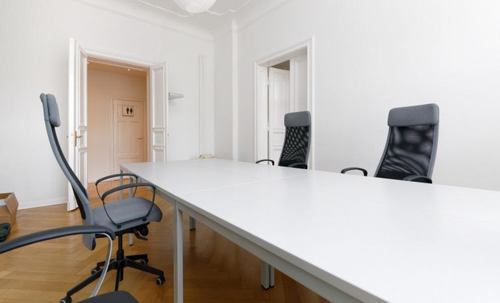 Bright Coworking Space by Hackescher Markt