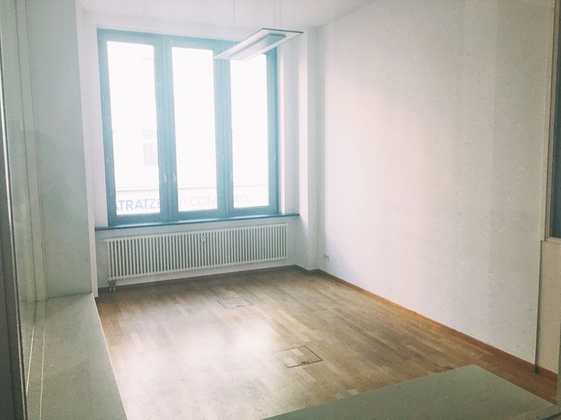 Large working space for teams or individuals available near U-Moritzplatz